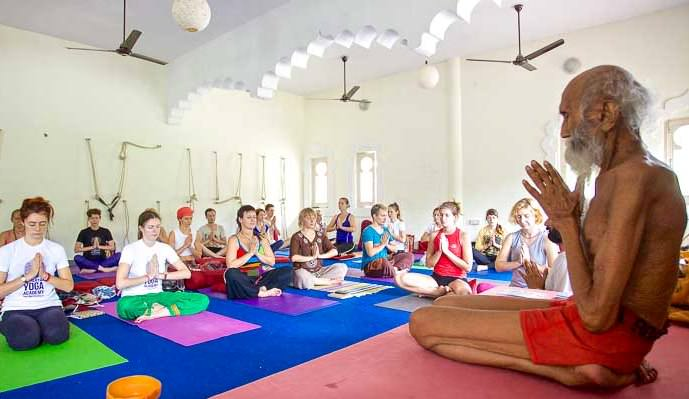 200-hour yoga and Meditation Teacher Training in India